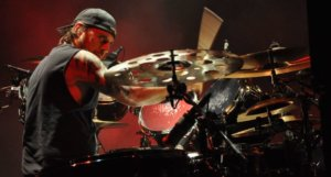 Slayer drummer Dave Lombardo thinks the internet would scarify the band